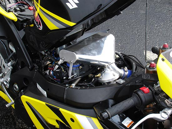 Velocity Racing: 2005 GSXR 1000 Turbo System | Dragbike com