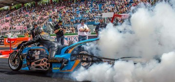 Ian King : Gulf Oil Drag Racing to the US
