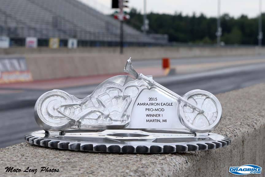15_0730_amra_Custom-trophy-pic