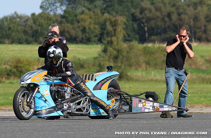 16-0920-straightliners-ian-king-02