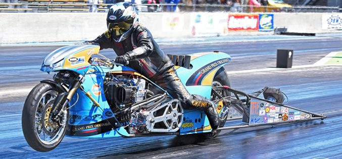 Gulf Oil Drag Racing kick off season in US