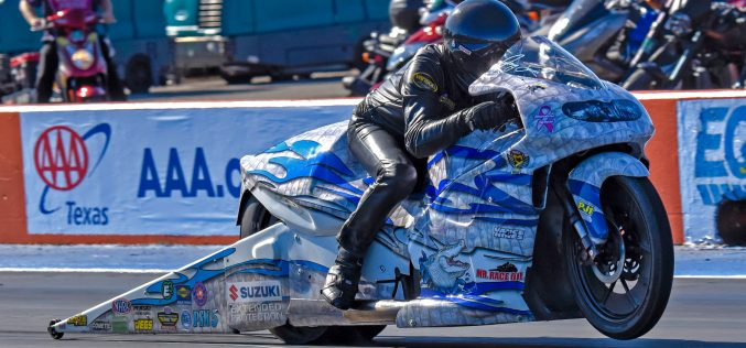 Jerry Savoie's White Alligator Suzuki takes a bite out of Points Deficit with Win