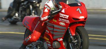 Photo Highlights:  2003 Rockingham Race Series – Race 1