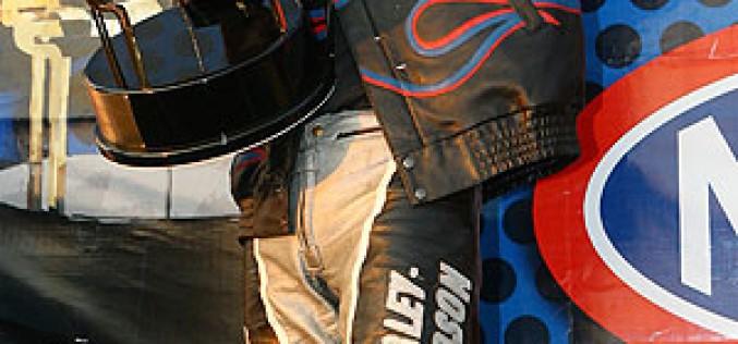 Photo of the Week : Eddie Krawiec Wins 2008 NHRA Pro Stock Motorcycle Championship