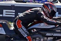 Dueling V-rods Stage an All-Harley Pro Stock Motorcycle Final In Brainerd